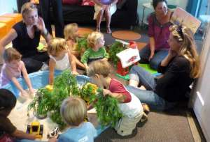 Preschool Colors Class - storytime!